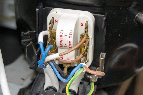 Как проверить пусковое реле холодильника: пошаговая инструкция