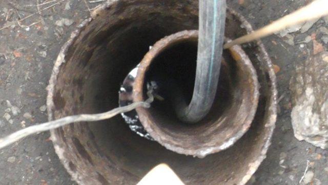 Застрял глубинный насос в скважине: как вытащить самостоятельно?