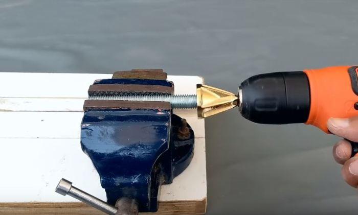 Насадки на шуруповерт: особенности угловой и магнитной разновидности. как выбрать насадку под саморезы? как поменять?