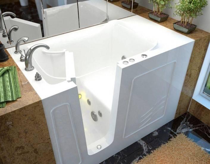 Отличное решение для маленькой ванной комнаты – сидячая ванна