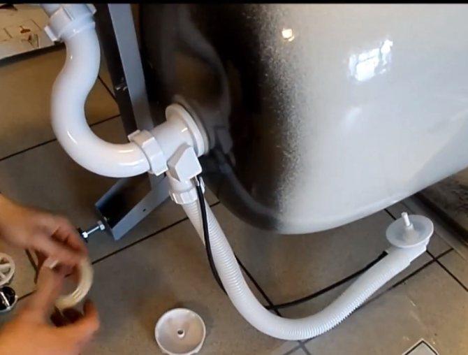 Слив-перелив для ванны: типы, виды, особенности