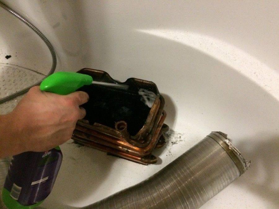 Подробно о том, как почистить котел от сажи в домашних условиях: пошаговая инструкция