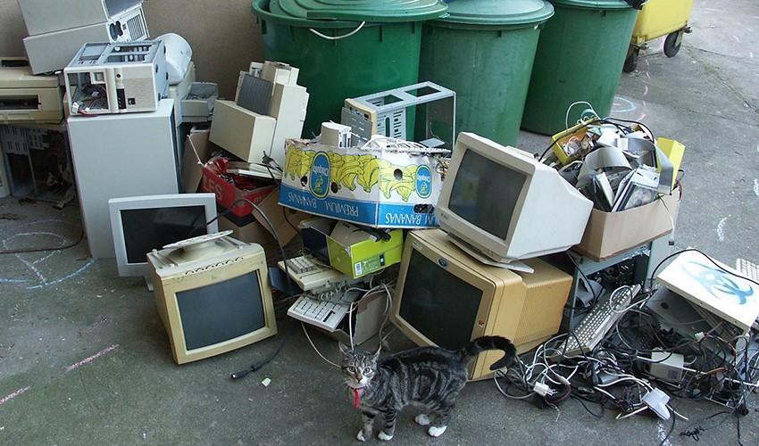 Куда сдать старый холодильник за деньги — все варианты для сдачи за деньги от ivd.ru