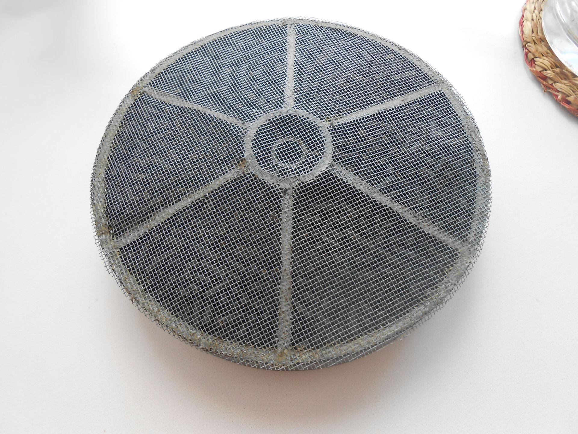 Угольный фильтр для вытяжки — чем отличается от обычных + правила грамотной эксплуатации