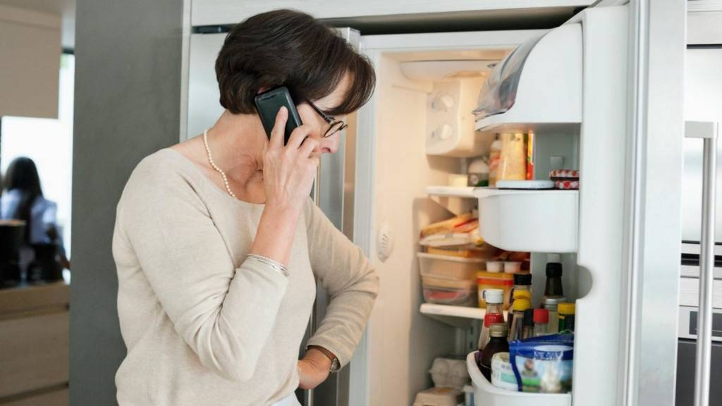 Холодильник работает не переставая