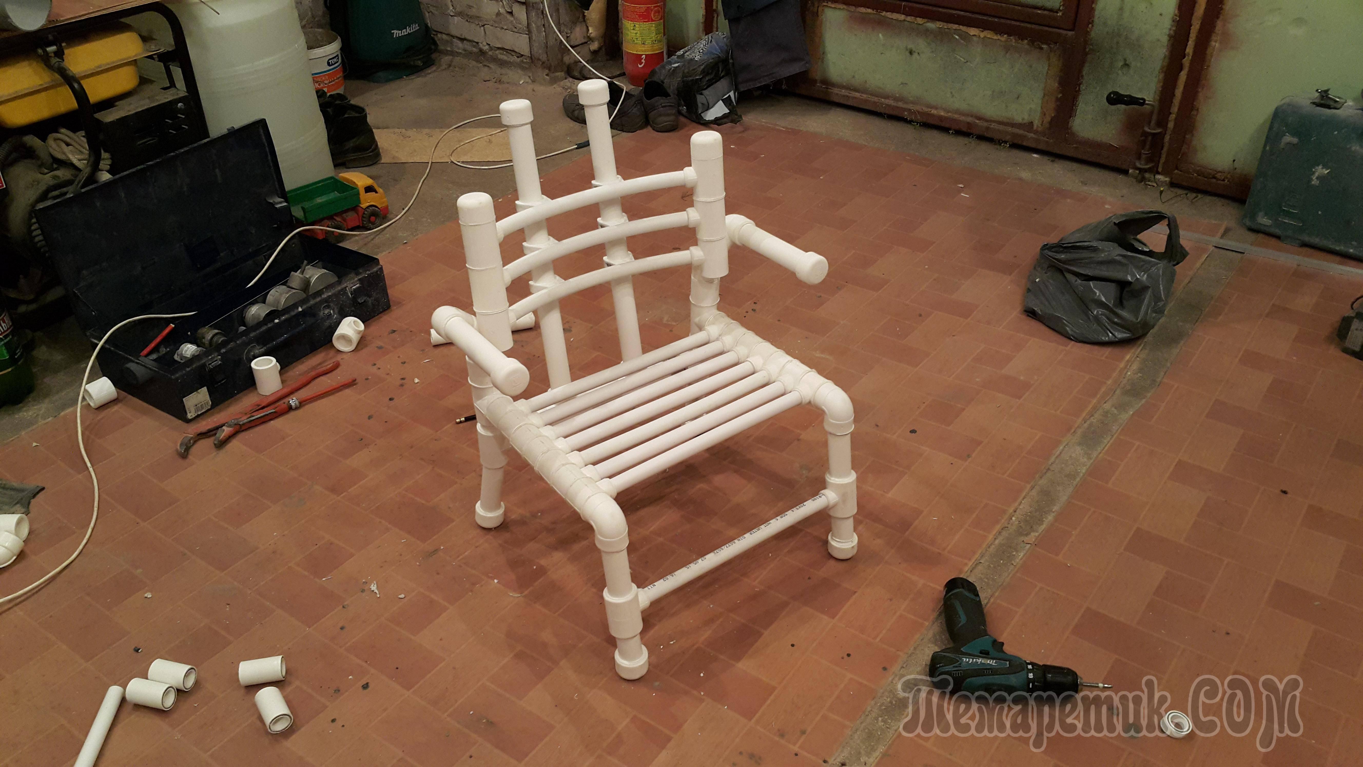 Креативная идея для дома: кресло из труб своими руками