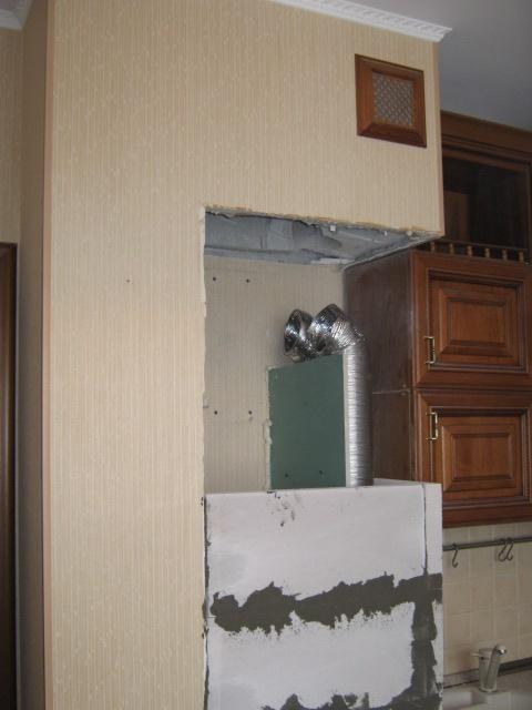 Как обыграть вентиляционный короб на кухне в углу: фото вариантов дизайна