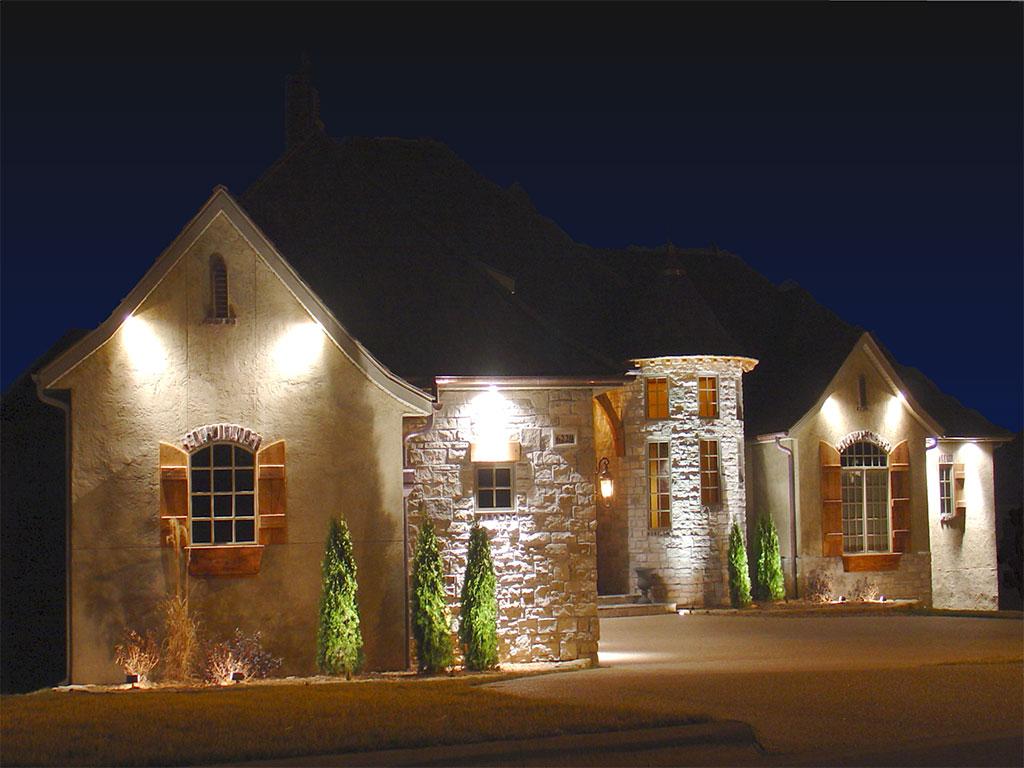 Освещение частного дома снаружи: 100 фото лучших примеров