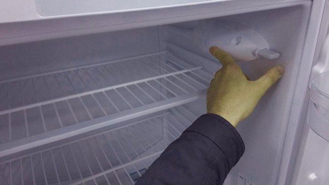 Почему не отключается холодильник: обзор частых поломок и способов их устранения