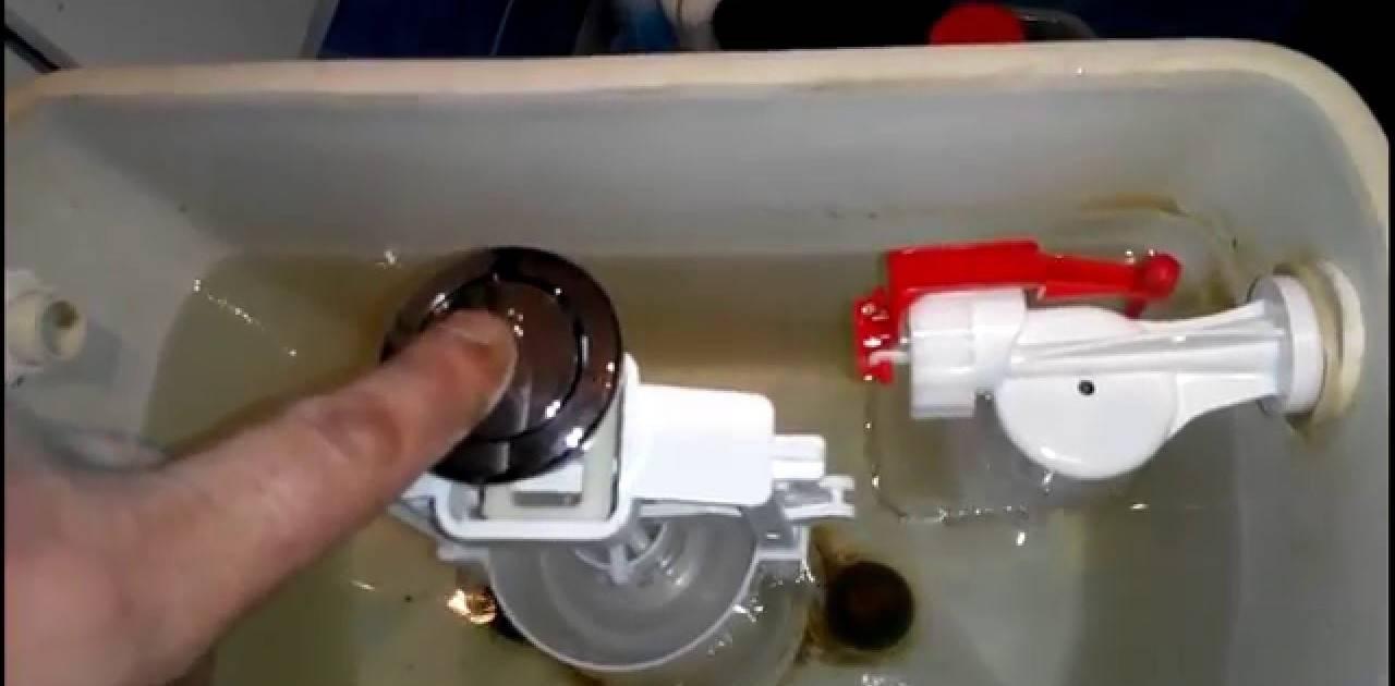 Течёт бачок унитаза – ремонт своими руками