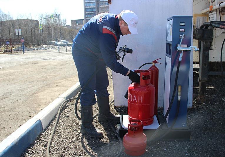 Можно ли на заправке заправить газовый баллон. uristtop.ru