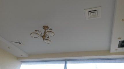 Вентиляция в натяжном потолке: вытяжка и решетки, установка в ванной и монтаж