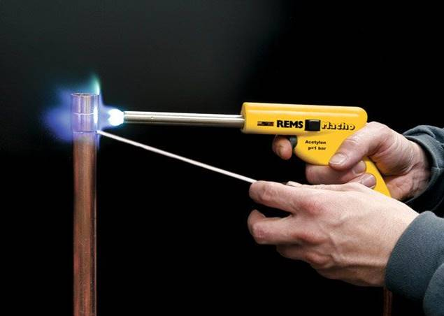 Пайка медных трубок газовой горелкой: технология, инструмент
