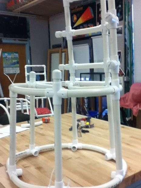 Мебель из труб пвх своими руками: идеи полок, стеллажей из пластиковых труб, конструкция стола и вешалки