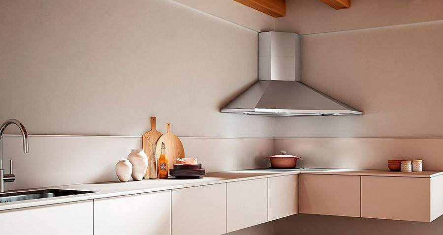 Каминная вытяжка для кухни: что это и чем отличается от других типов (13 фото)
