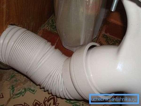 Установка гофры на унитаз и специфика подключения сантехники с ее помощью