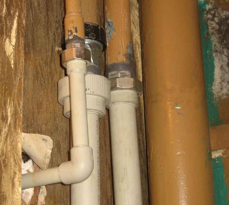 Кто должен производить замену стояков отопления в квартире и как сделать это бесплатно?