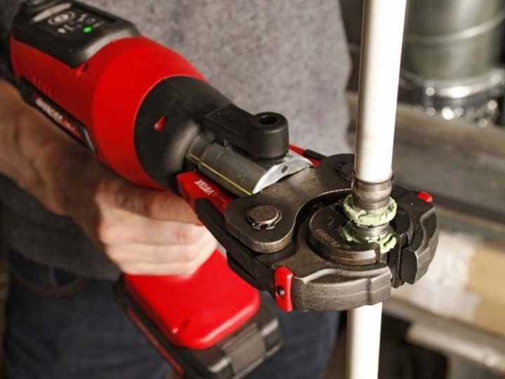 Советы по выполнению опрессовки металлопластиковых труб