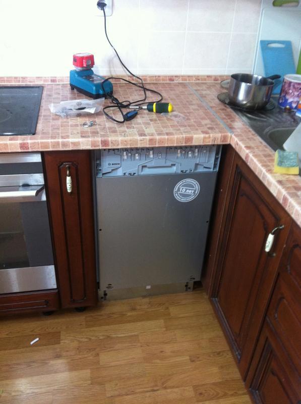 Как установить встраиваемую посудомоечную машину в готовую кухню