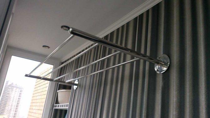 Потолочная сушилка для белья на балкон: выбор и изготовление