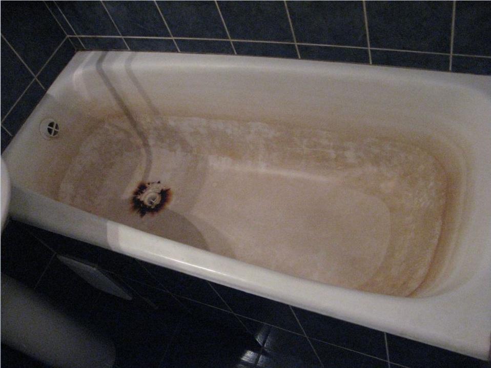 Чем мыть чугунную ванну не повреждая эмаль: обзор бытовой химии и домашних средств