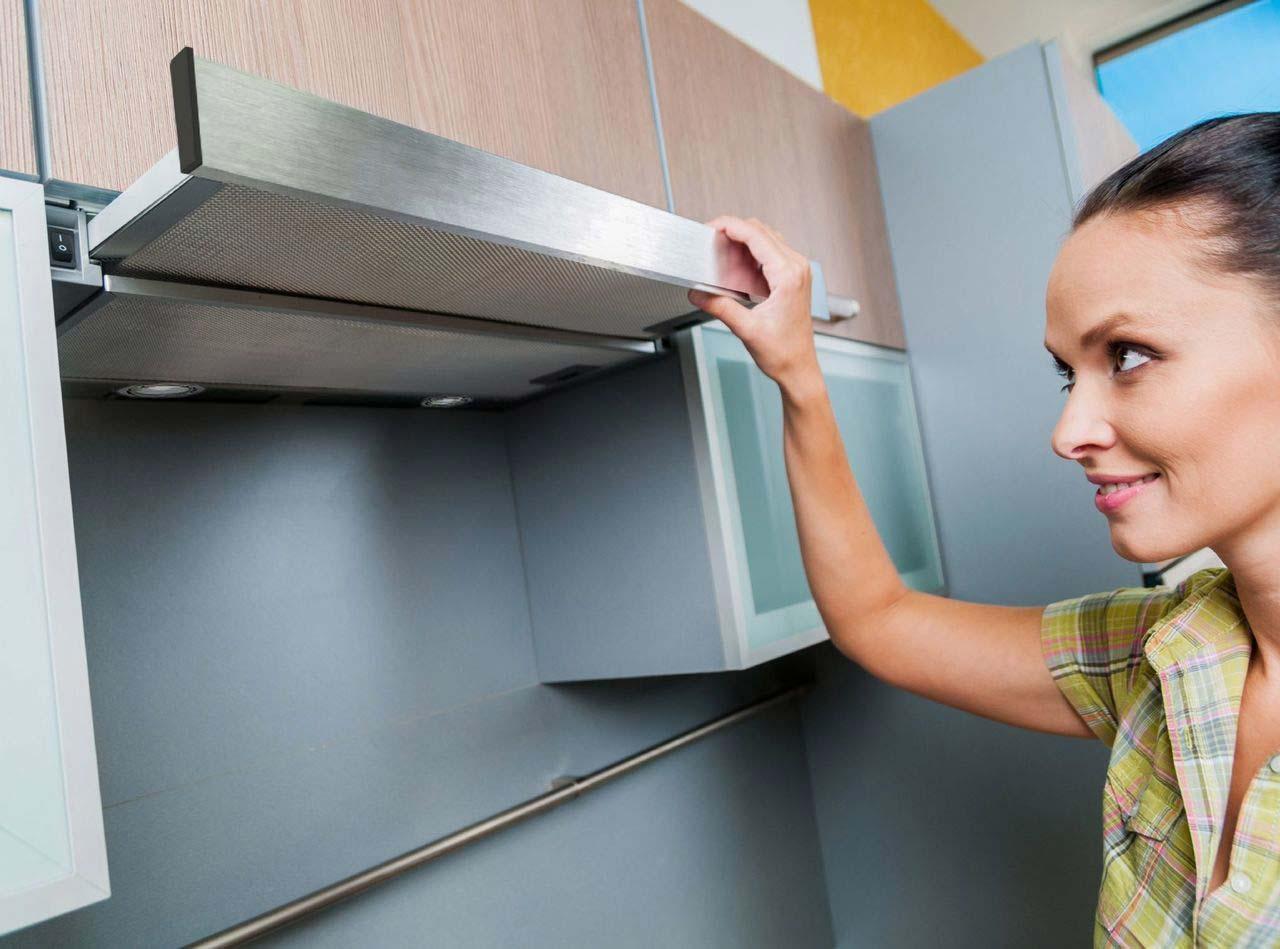 Как почистить кухонную вытяжку от жира: основные способы