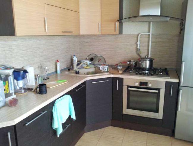 Можно ли ставить холодильник рядом с газовой трубой на кухне: правила установки, советы и ответы специалистов