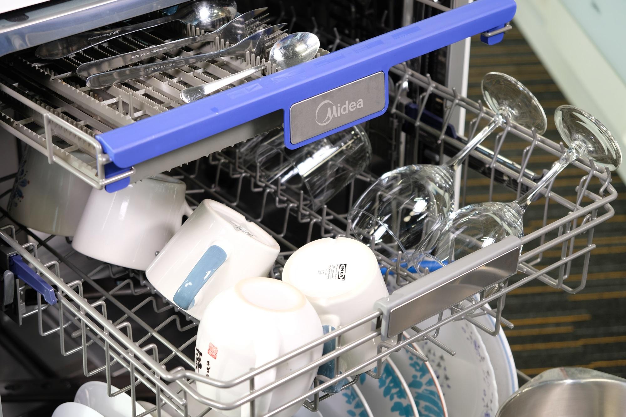 Как правильно загружать посуду в посудомоечную машину: electrolux, bosch