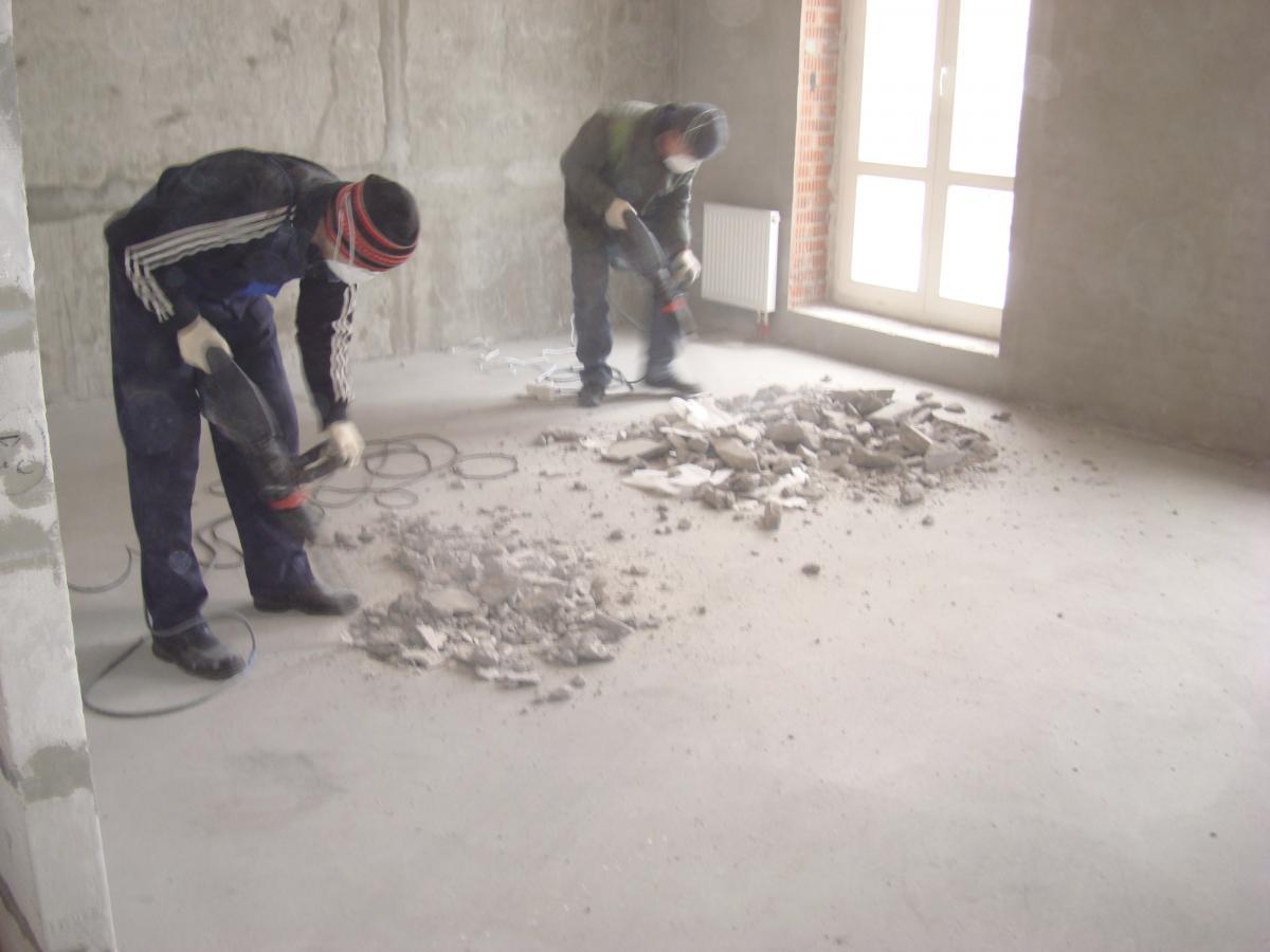 Демонтаж бетонной стяжки пола - расценка на работы по удалению