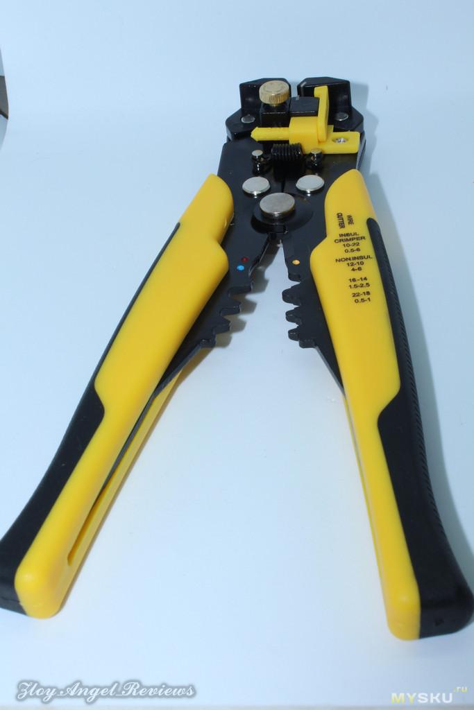 Стриппер для снятия изоляции с проводов: типы инструмента