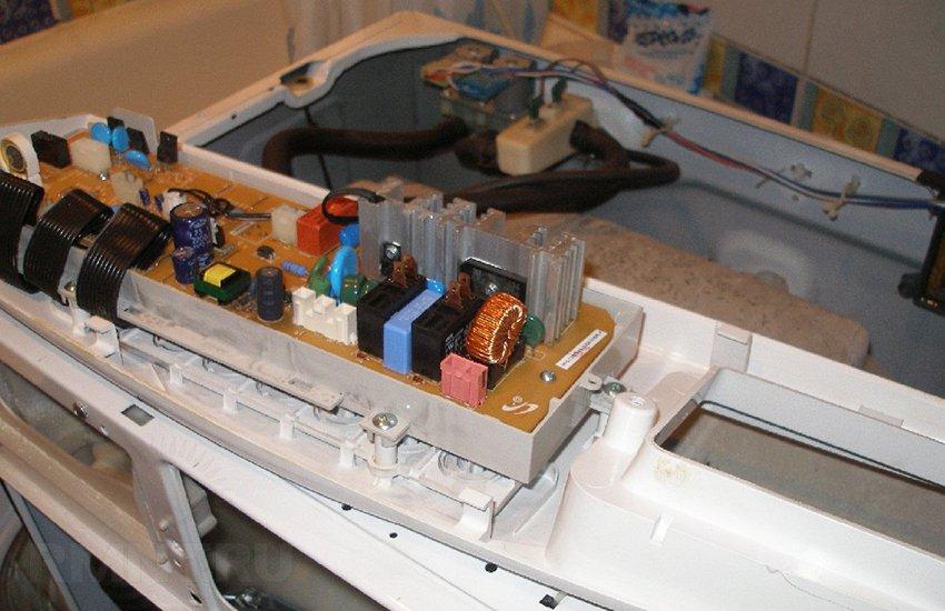Почему не включается стиральная машина samsung и как это исправить?