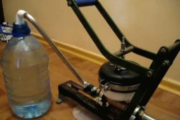 Водяной насос своими руками: как сделать ветряной вариант, самодельный мини-продукт из моторчика для перекачки воды, тонкости ремонта
