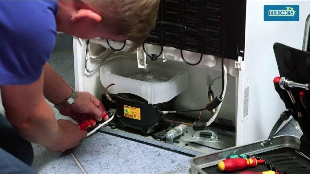 Не морозит холодильник: верхняя холодильная камера, а морозилка работает нормально, почему, в чем причина поломки, перестал, охлаждает (холодит), что делать, плохо, но свет есть, может быть, если гудит, способы устранения, сам включается, хорошо, часть
