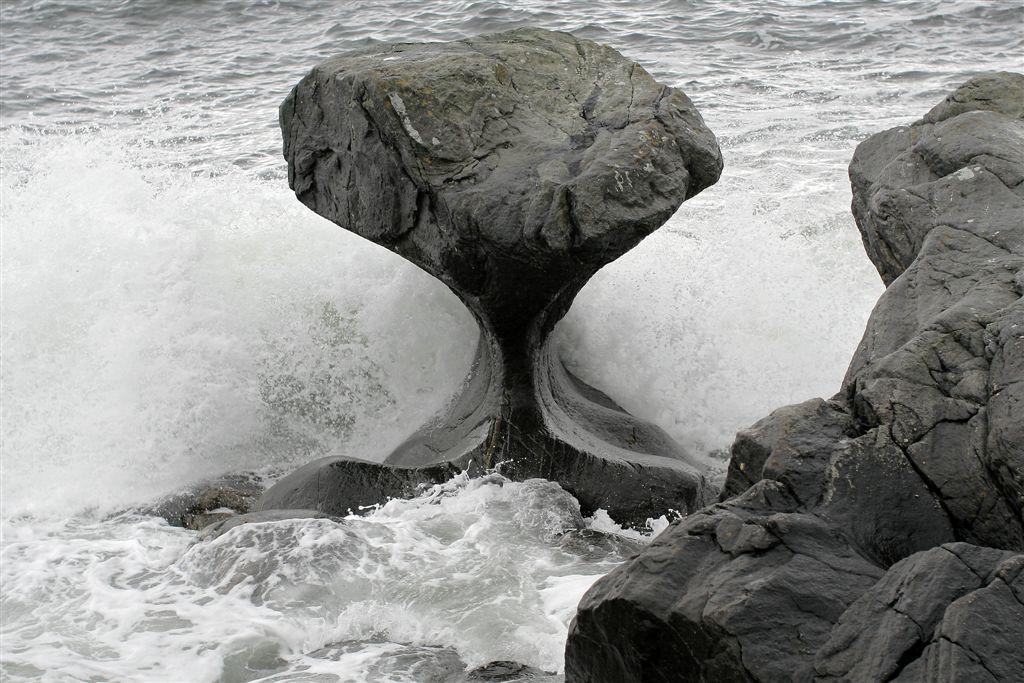 Разрушение камней в природе и причины, по которым оно происходит: чем вызвано это явление?