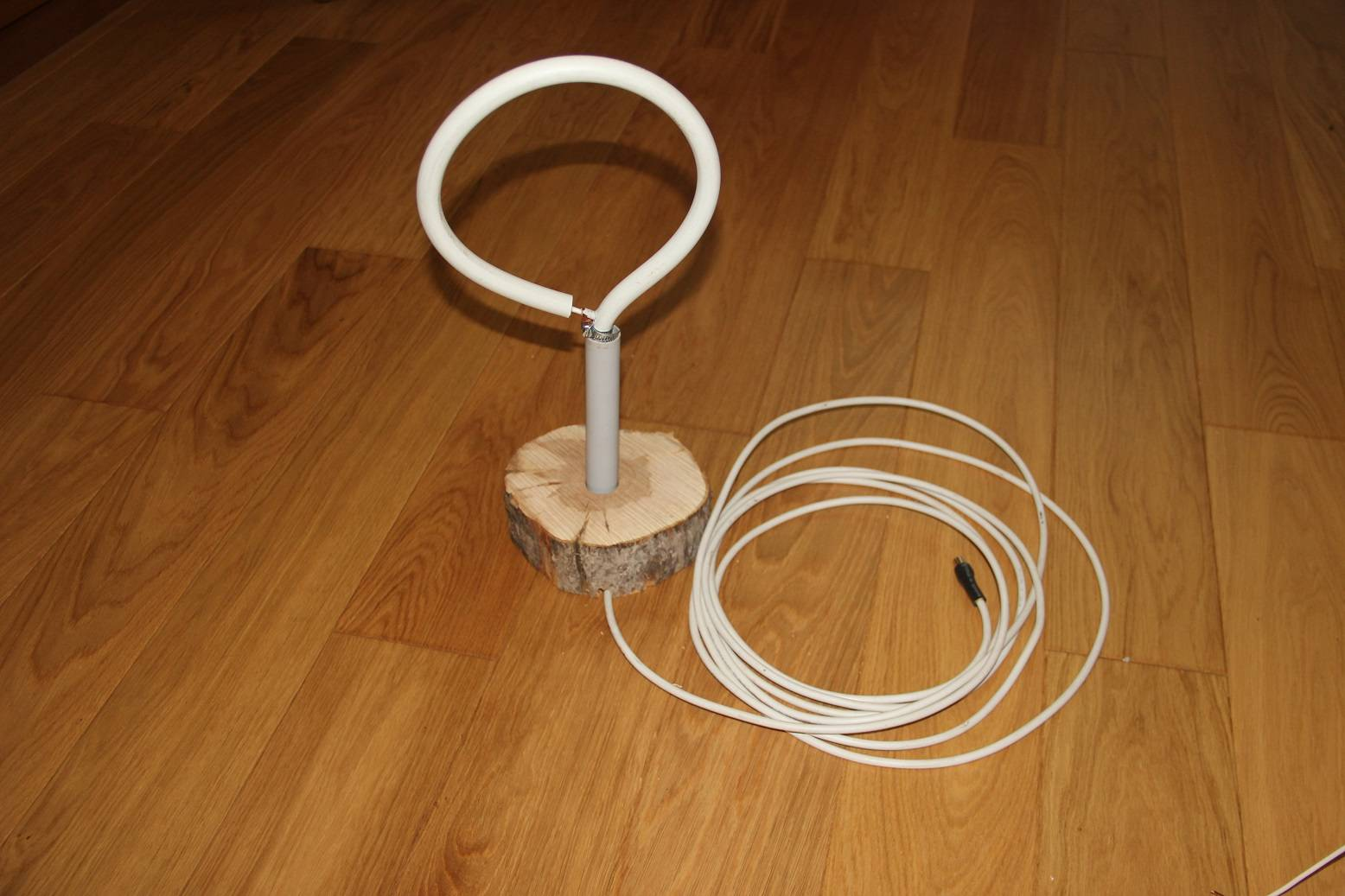 Антенна для цифрового тв из кабеля: простой комнатный вариант своими руками за 5 минут