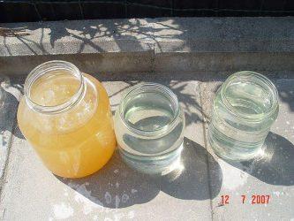 Почему в колодце мутная или желтая вода — причины загрязнений и методы очистки