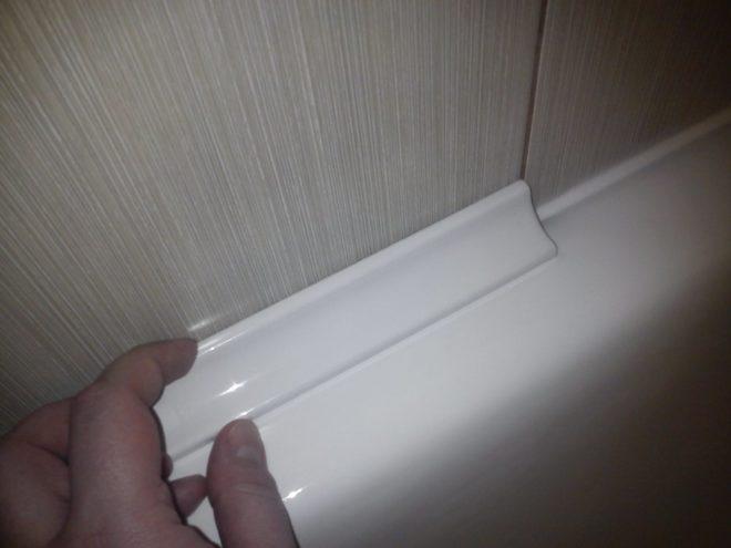 Способы и материалы, с помощью которых можно заделать щель между ванной и стеной