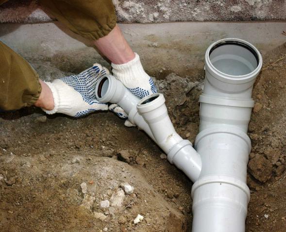 Прокладка канализационных труб своими руками: как проложить трубы канализации в частном доме, как правильно прокладывать, технология прокладки, правила на фото и видео