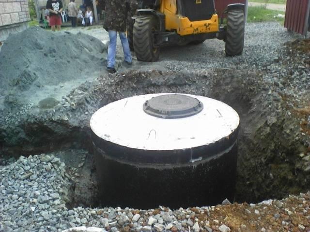Выгребная яма из бетонных колец без дна устройство, как сделать своими руками