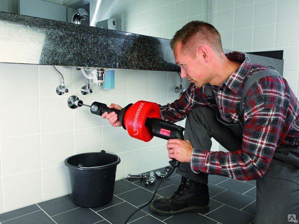 Прочистка канализационных труб: способы, средства