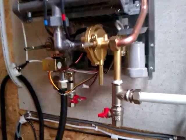 Слабый напор горячей воды из газовой колонки: причины снижения напора + инструктаж по чистке