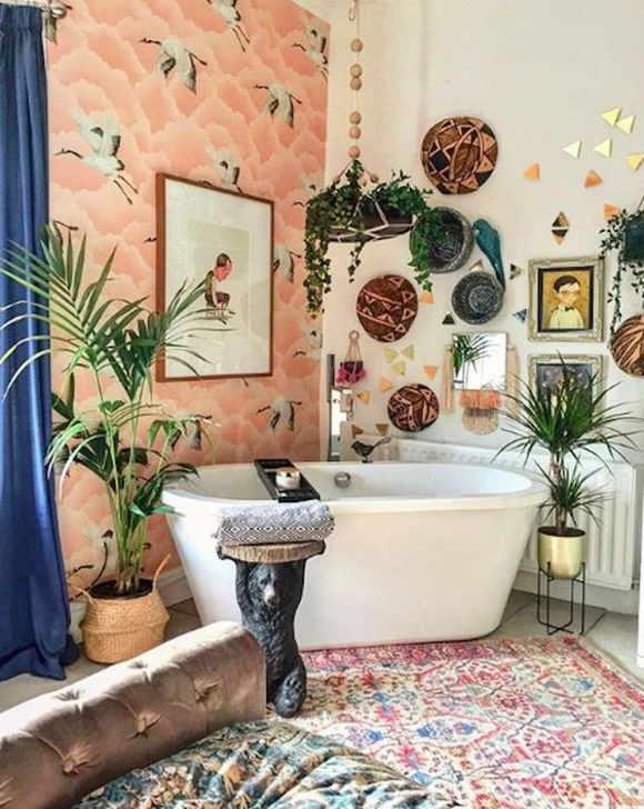 Декор ванной комнаты (76 фото): самоклеящаяся пленка и другие декоративные покрытия на стену, идеи для воплощения своими руками на маленькой площади