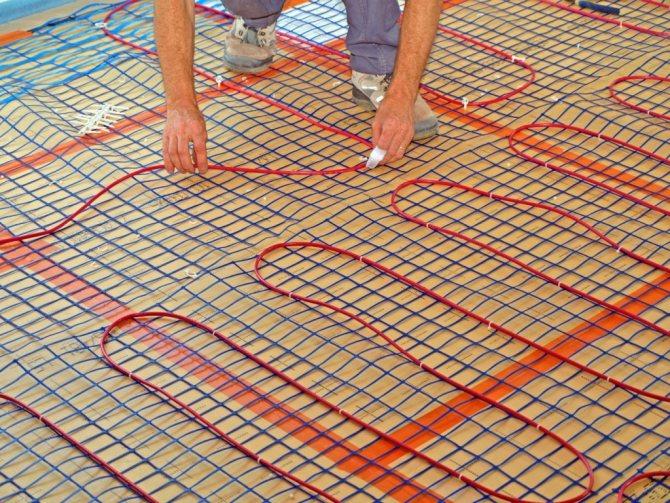 Теплые водяные полы на деревянный пол: особенности укладки системы на деревянное основание