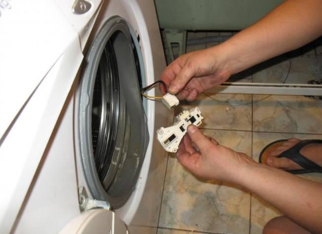 По каким причинам стиральная машина не набирает необходимую воду