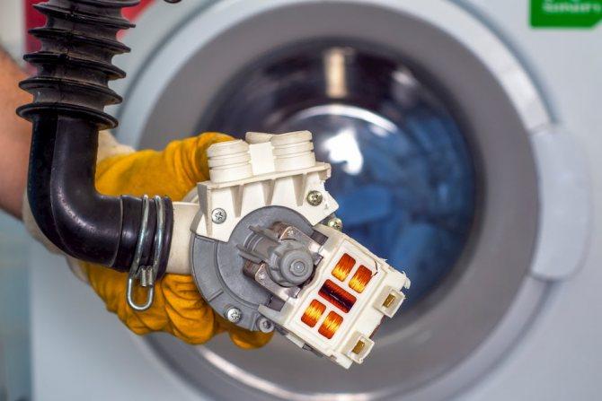 Замена насоса стиральной машины своими руками и главные причины его поломок