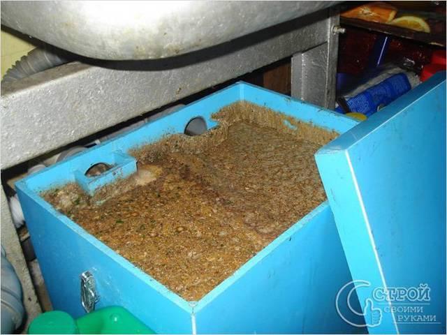 Жироуловитель под мойку для канализации. как выбрать?