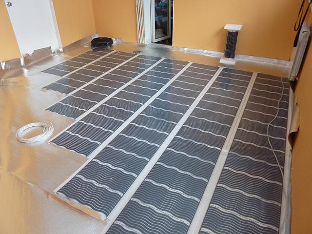 Какой теплый пол лучше под плитку: водяной, инфракрасный или электрический?