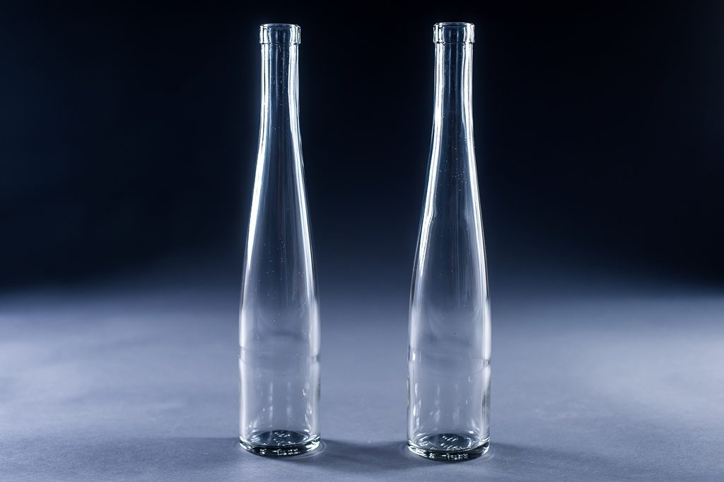 Чем отмыть стеклянные вазы: обзор проверенных средств