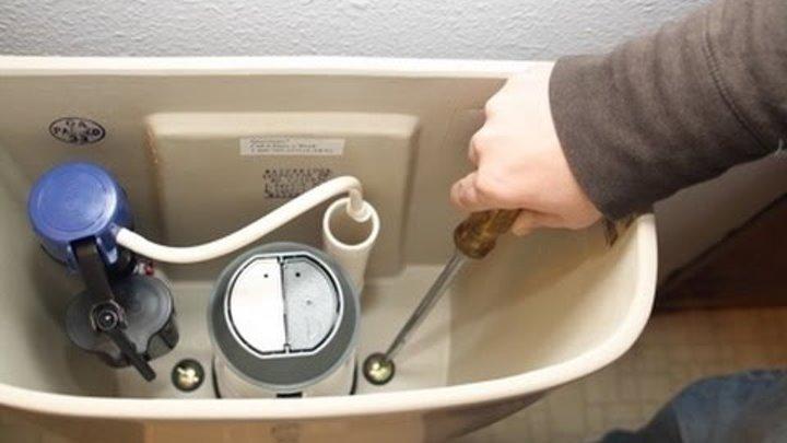 Что делать, если протекает унитаз в месте соединения с канализацией