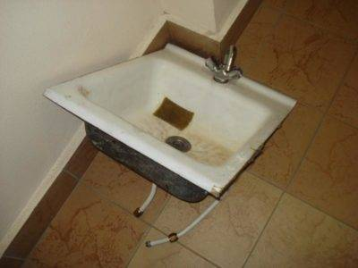 Тумба с раковиной для ванной: нюансы выбора и технология установки